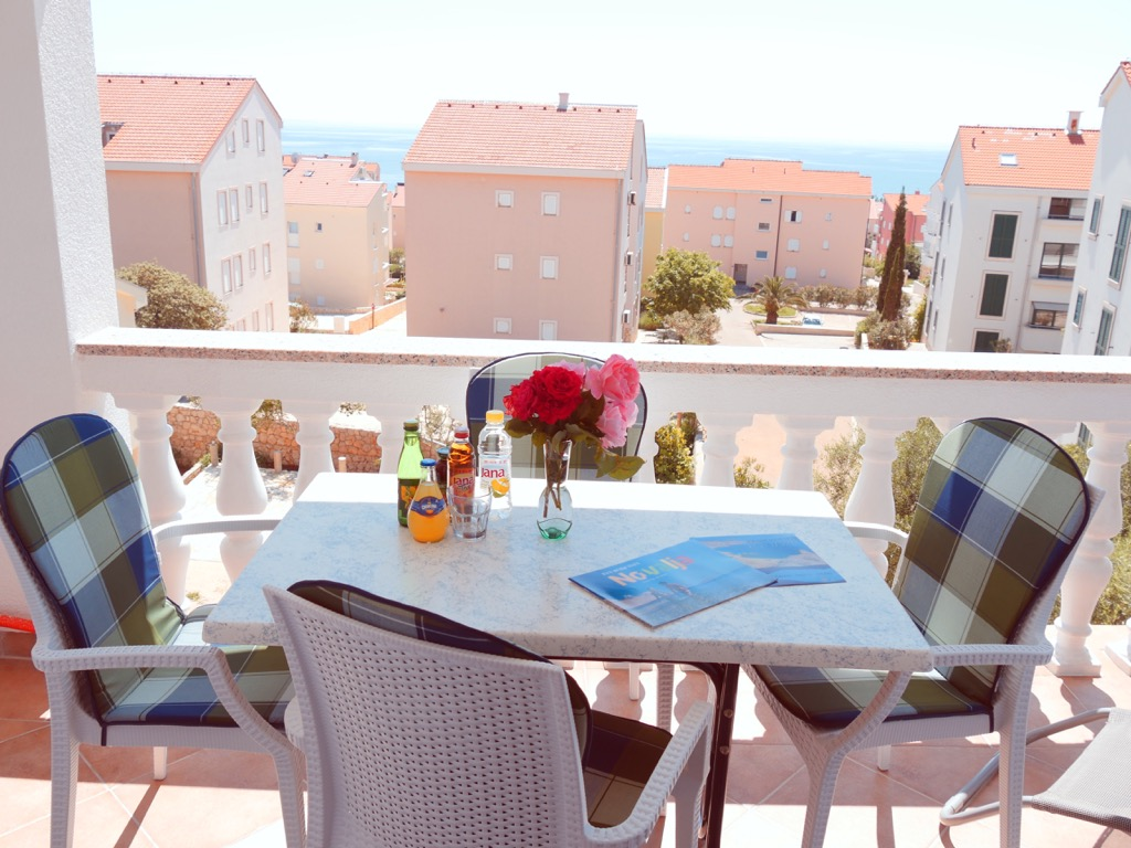 Apartment-mit-meersicht-zrce-beach